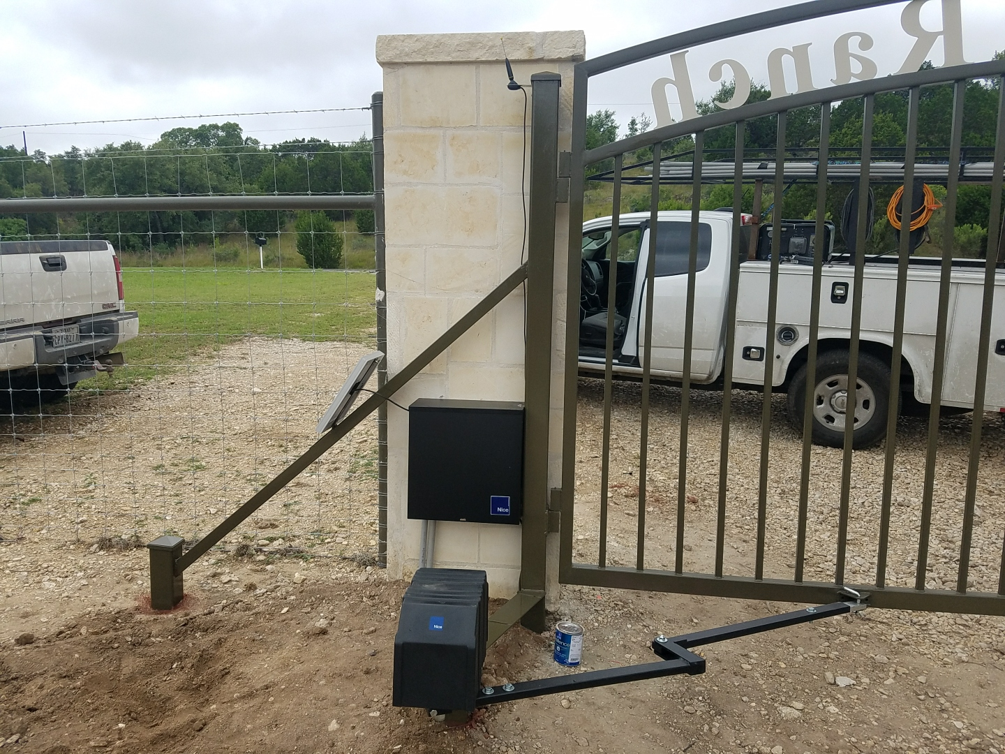 Custom Gate and Entry System in Comfort TX