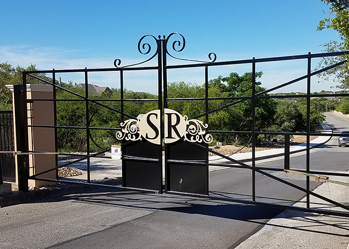 Custom Auto Gates in Comfort TX